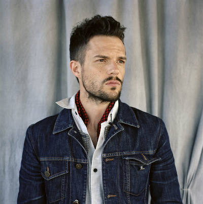 Arjanwrites-pressphoto-brandonflowers-by-lucy-hamblin