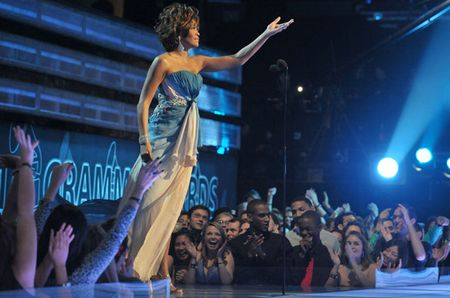 100747-whitney_houston_617_409